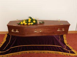 Mahogany Flat Lid Venner Coffin